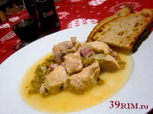 тушеная картошка с курицей и грибами, а также рецепты для духовки, мультиварки и другие варианты